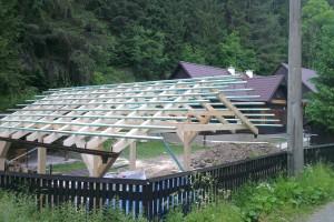 Ďalší deň bola postavená konštrukcia altánku