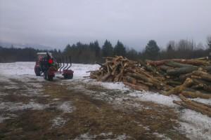 Zvážanie odpadového dreva zo Suchej urbárnou vývozkou